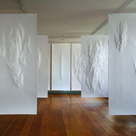 Weiße Blätter, 2018, Paper Biennial Rijswijk, Foto: Paul de Boer