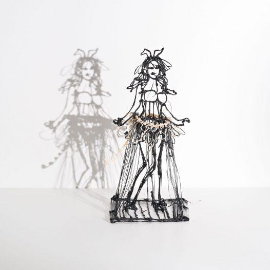 Woman #8, 2018, Kunststoff, 21,5 x 11 x 10,5 cm