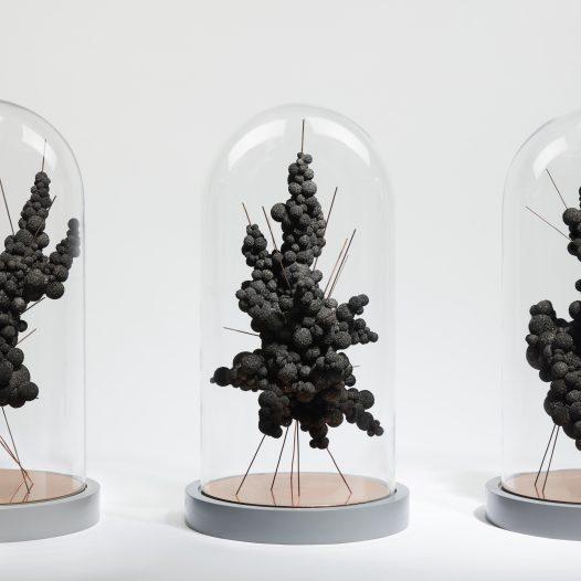 Daseinsformen, 2017, Schwammgummi, Kupfer, Glas, MDF, H: 60 cm, D: 30 cm, Foto: Oliver Schuh