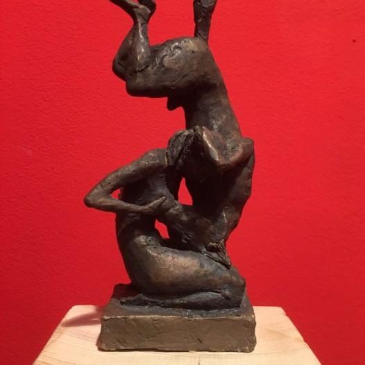 Mutter und Wolf, 2017, Bronze, Ed. 1/9, Höhe 18,5 cm