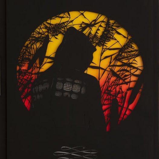Junger Mann mit Kapuze, 2014, Papierschnitt, gerahmt, 92 x 72 cm