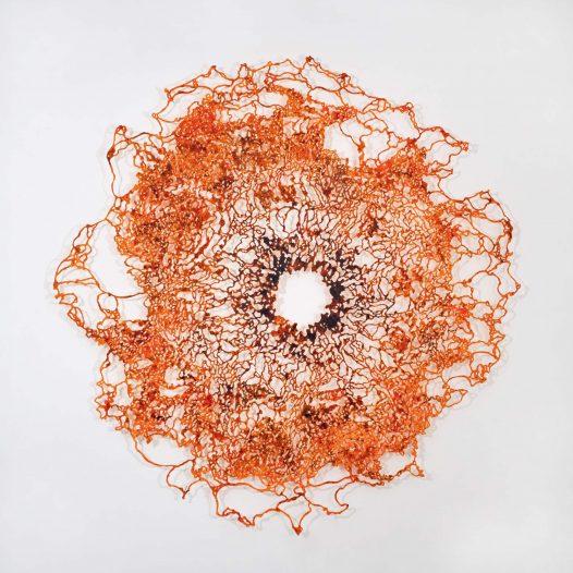 Erschauern, in einer zarten Explosion, 2020, Bleistift, Graphit, Öl, gerissenes Papier, 200 x 200 cm