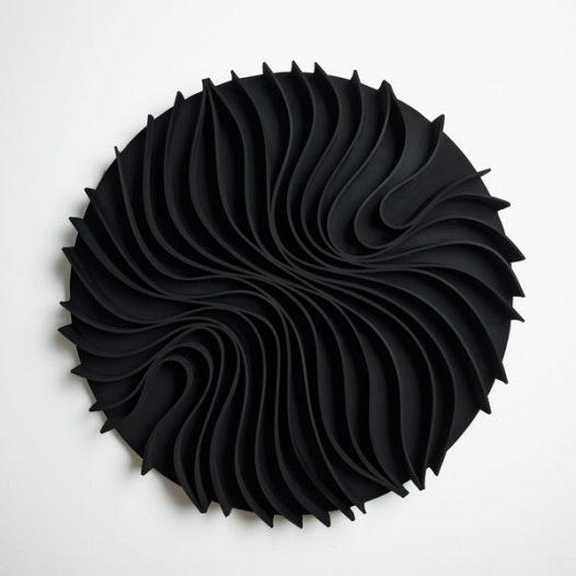 Convolution 4, 2009, Durchmesser 87 cm x 8 cm, EPDM auf Aluminium