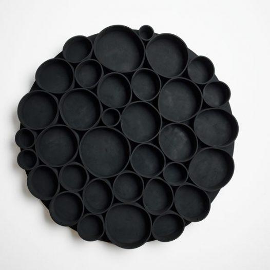 Convolution 2, 2009, Durchmesser 87 cm x 8 cm, EPDM auf Aluminium