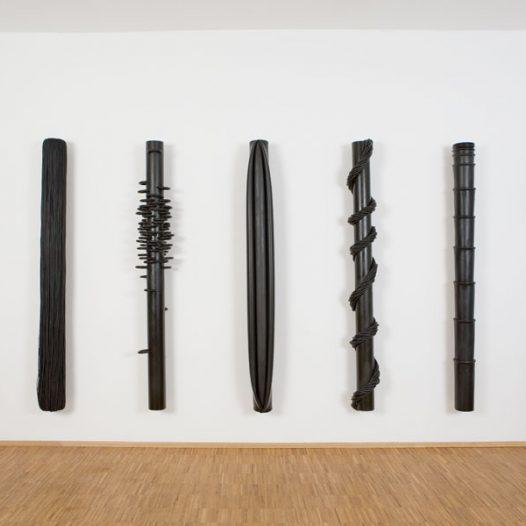 Traurige Tropen, 2006, je 180 x 12 cm, Stahl & EPDM