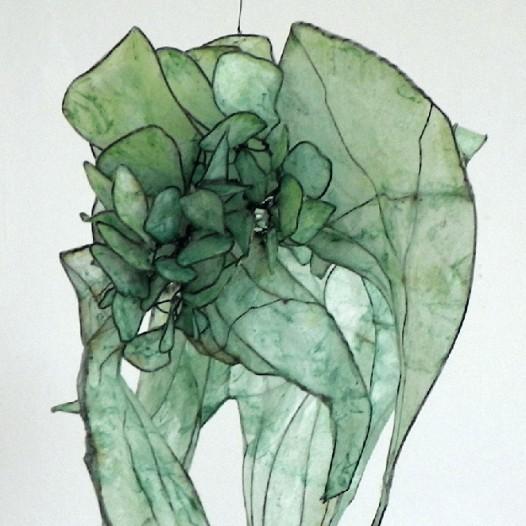 light moments IV, 2013, 25 x 18 x 18 cm, Eisendraht, Papier, Öl-Acrylharzgemisch