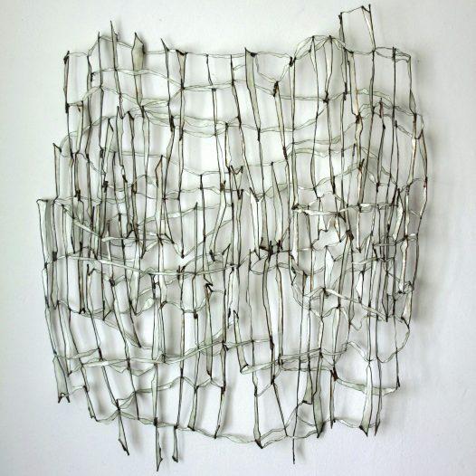 lines in touch 3, 2017,  ca. 105 x 80 cm, Eisendraht, Papier, Öl-Acrylharzgemisch