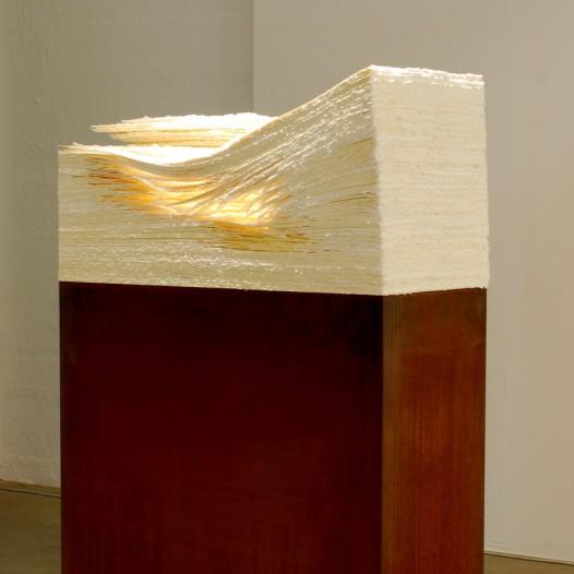 Terbloc, 2009, Metall/Zellstoff, 140 x 80 x 40 cm