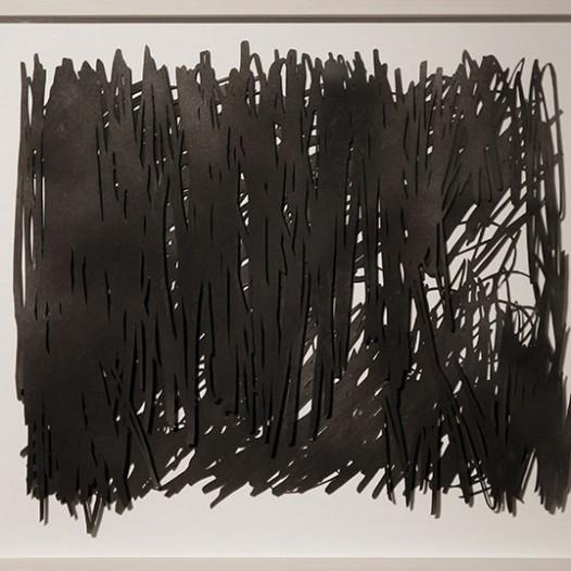 Ohne Titel, 2013, 34 x 40 cm, Papierschnitt, lackiert, zweilagig