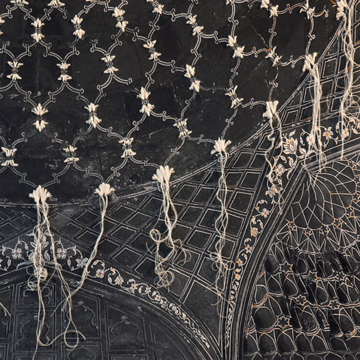 o. T., 2012 (Detail), ca. 135 x 145 cm, Fotografie bestickt, Pigmentdruck