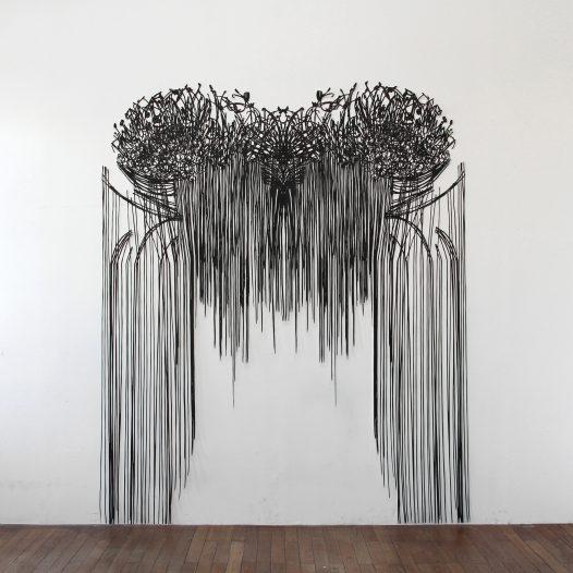 Ohne Titel, 2015, Papierschnitt lackiert, 250 x 205 cm
