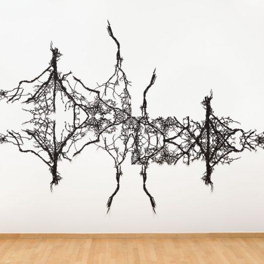 o.T., 2017, Papierschnitt, lackiert, 230 x 350 cm