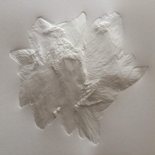 Aja von Loeper: Weißes Blatt S 20-27, 2020, 30 x 30 x 1 cm, Papier Relief